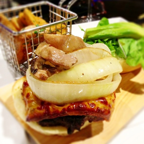 Mushroom Cheddar Burger - Naupaka Terrace, Lihue, HI