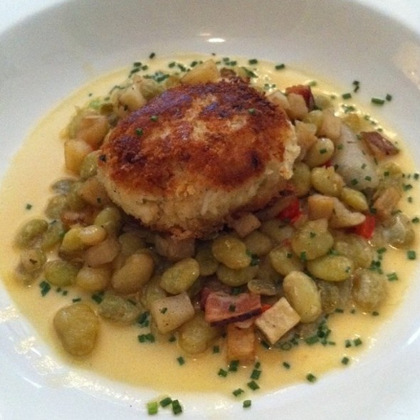 Crab Cake Entree - 82 Queen, Charleston, SC