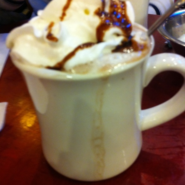 Hot Chocolat @ Benash Delicatessen
