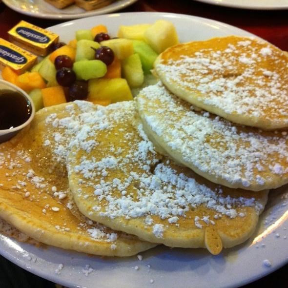 pancake breakfast @ Benash Delicatessen