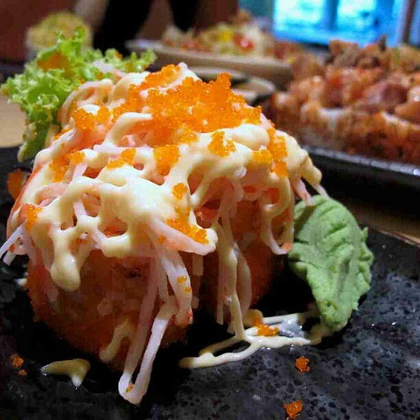 Salmon with wasabi cream @ SumoSam