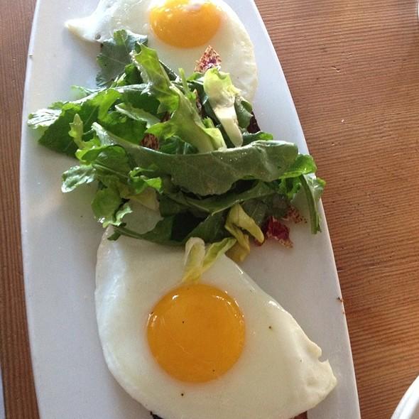 Eggs & Toasts
