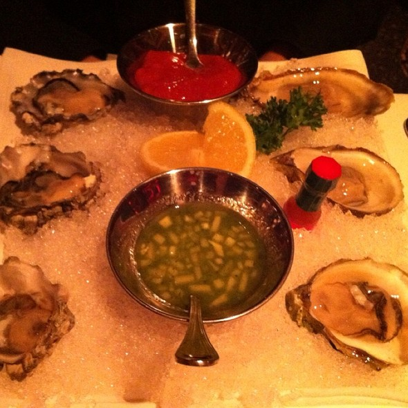 1/2 Dozen Raw Oysters - Strip House - Las Vegas, Las Vegas, NV