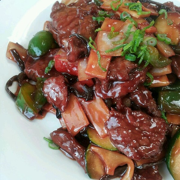 Beef With Hot Garlic Sauce  @ King Hao Chinese Restaurant