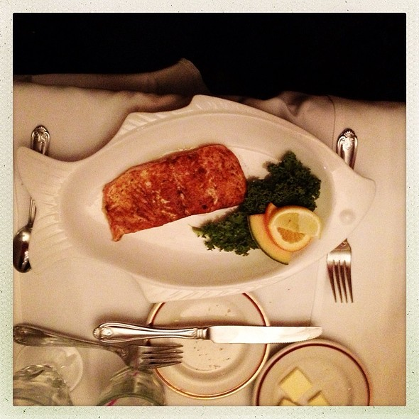 Canadian salmon with Parsley-garlic confit sauce, spinach & radicchio @ Union Hotel & Restaurant