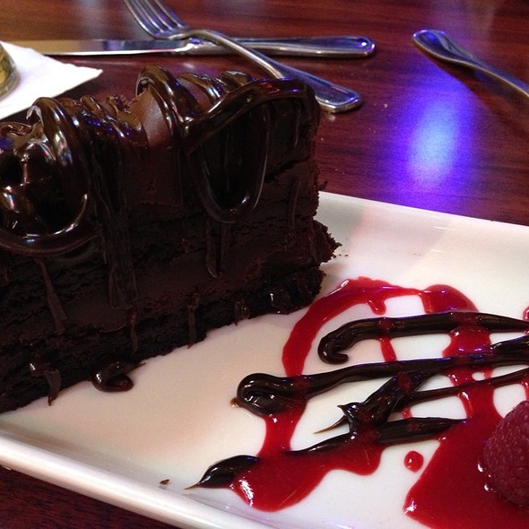 chocolate lovin spoon cake - Players Sports Grill & Arcade, San Francisco, CA