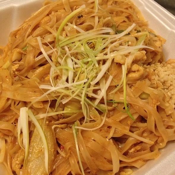 Chicken Pad Thai @ Umami Asian Cuisine