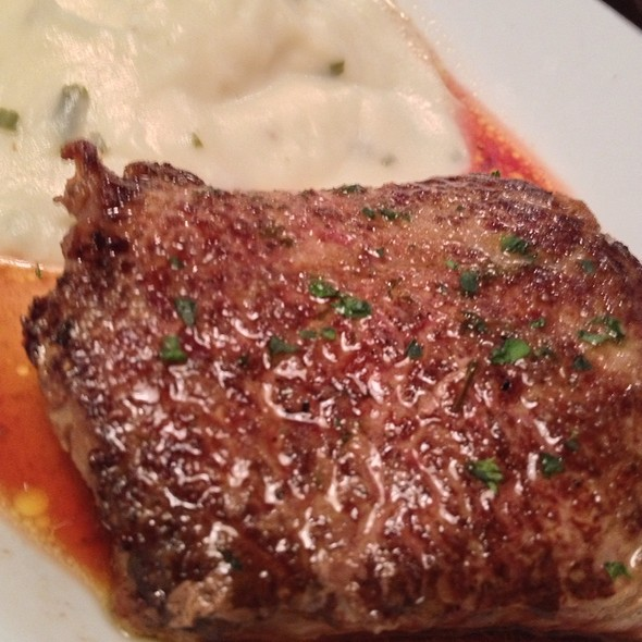 Sirloin Steak W/ Mashed Potatoes @ Ruby Tuesday's