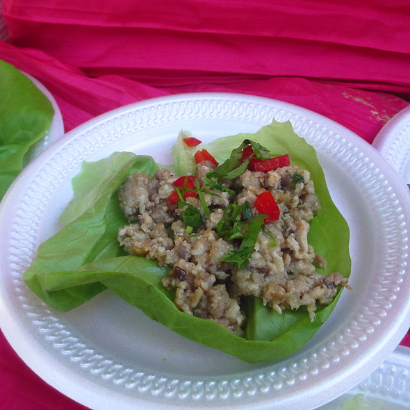 Minced Chicken and Lettuce Cups - Pattigeorge's Restaurant, Longboat Key, FL