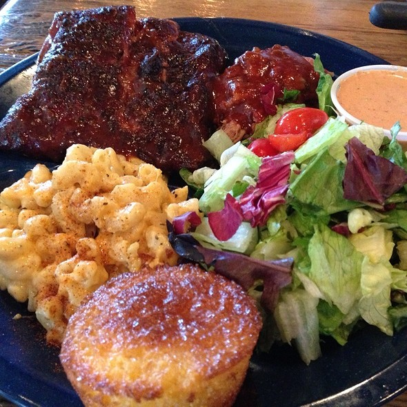 Bbq Combo, Pulled Pork With Ribs, Beans And Mac N Cheese For Sides @ Dinosaur BBQ