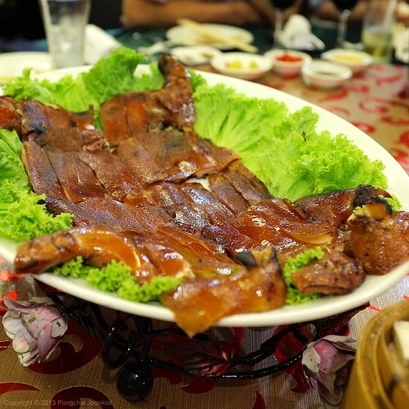 BBQ Suckling Pig | หมูหัน @ Jasmin Chinese Restaurant @ Time Square Building