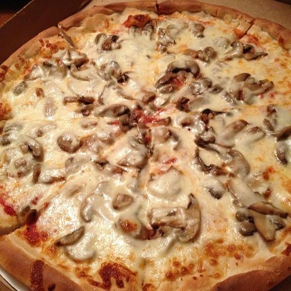 Mushroom Pizza @ House Of Pizza