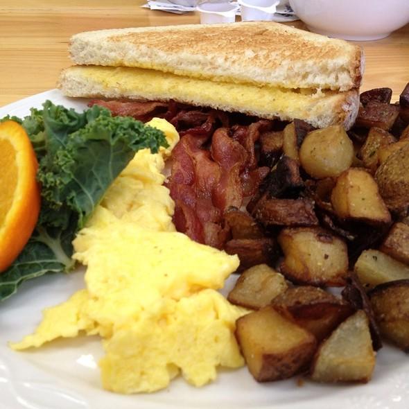 Hometown Breakfast @ Phat Boys Diner