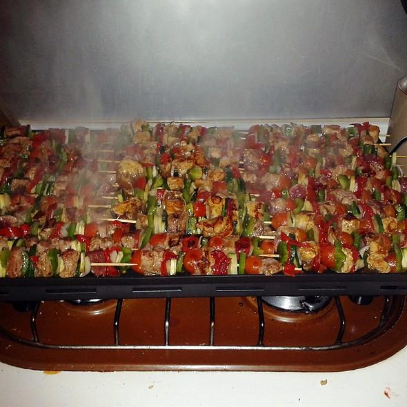 Assorted pinchitos @ Churchilito