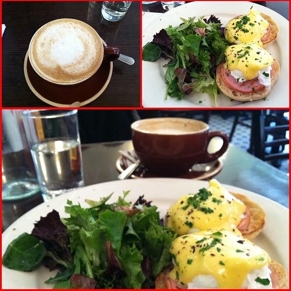 Eggs Benedict @ Fiat Cafe