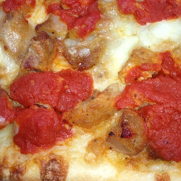 Chicken Parmigiana Pizza @ Prince Umberto