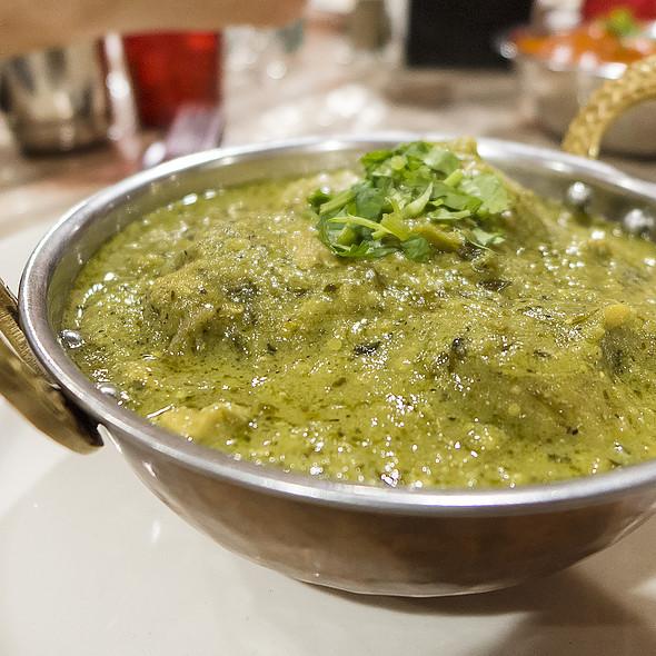 Chicken Hara Masala @ Himalaya Restaurant