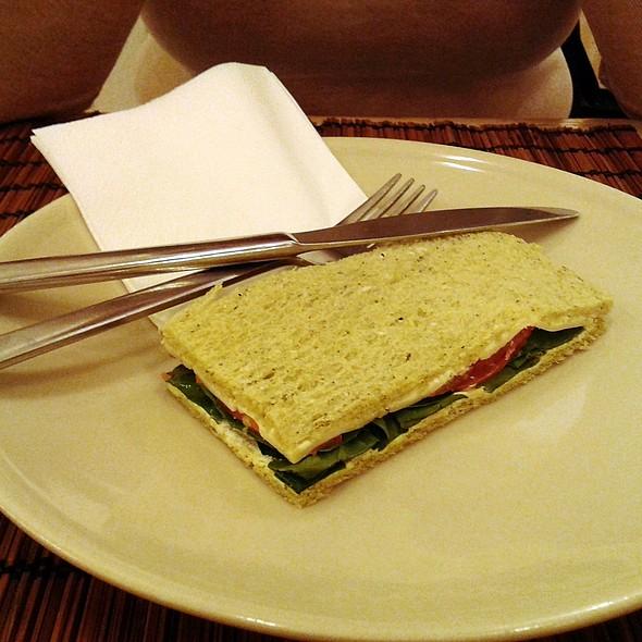 Vegetable Sandwich @ Harina