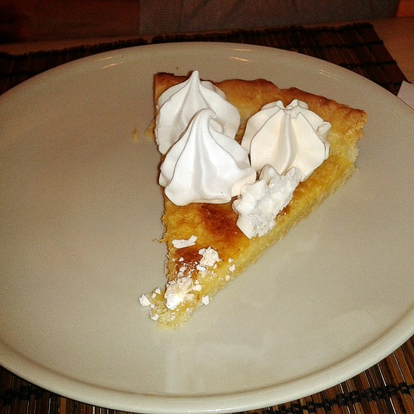 Lemon Meringue Pie @ Harina
