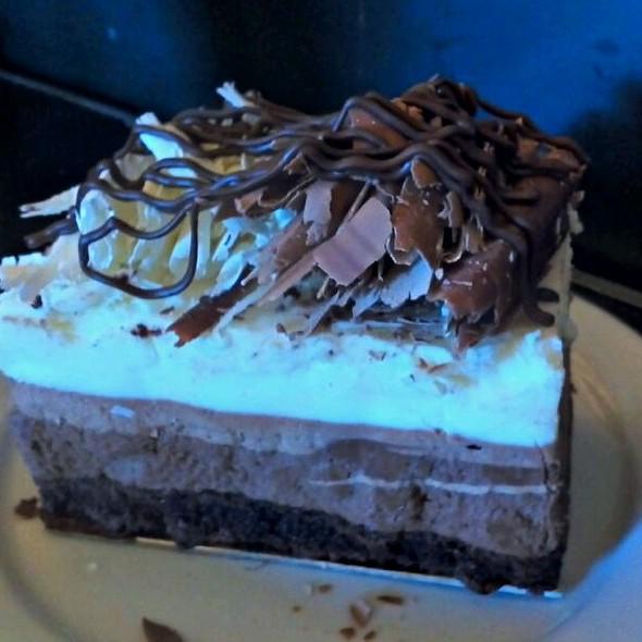 Mocha Chocolate Cake Los Angeles