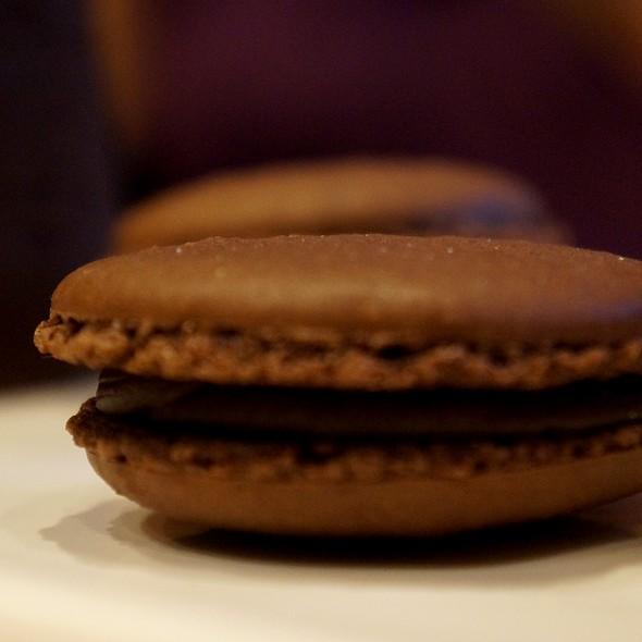 Chocolate Macarons @ Compañia de Chocolates