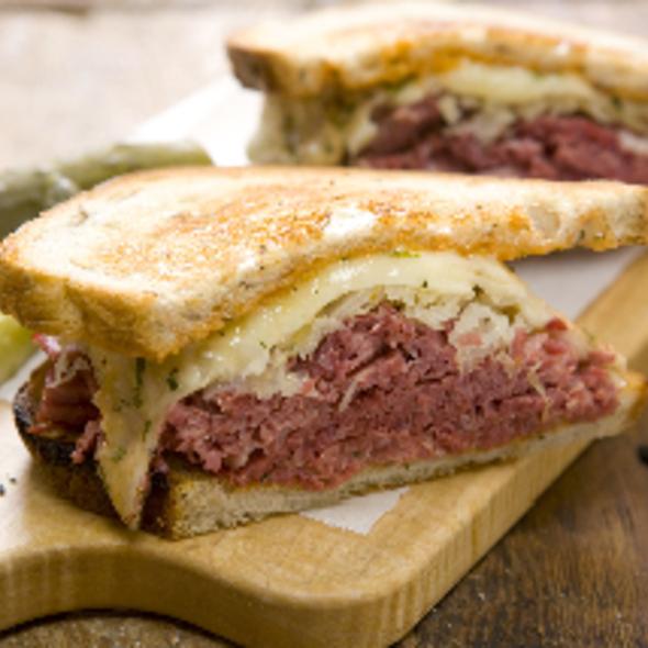 Reuben Sandwich @ Delicatessen