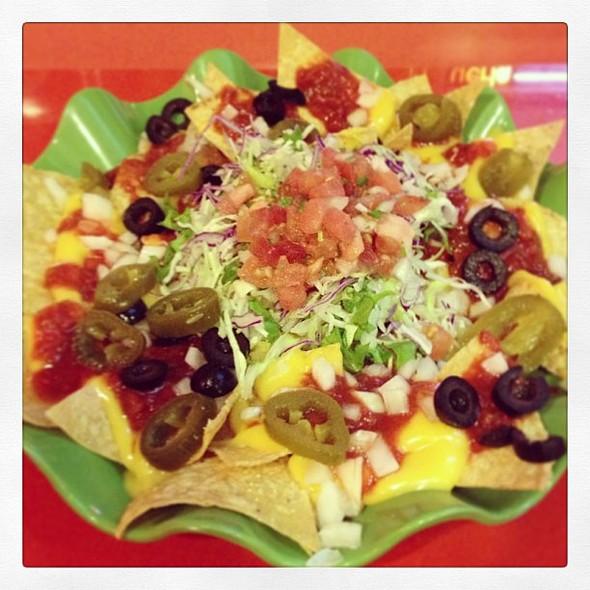 Nachos @ Dos Tacos