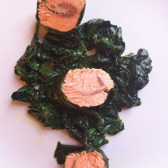 Salmon With Spinach @ Moskovska 15