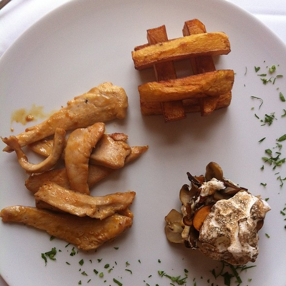 Chicken Fillet With Honey, Mustard, Mushroom Flan And Fried Potatoes @ Moskovska 15