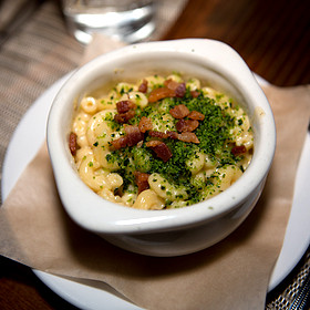 Mac & Cheese with Crispy Bacon