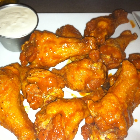Chicken Wings @ Stuey McBrew's Tavern and Tables