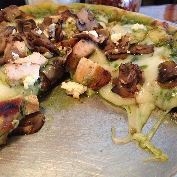Fluke Pizza @ Marin Brewing Company