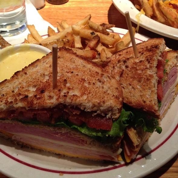 Rafferty S Restaurant Bar Nashville Tn