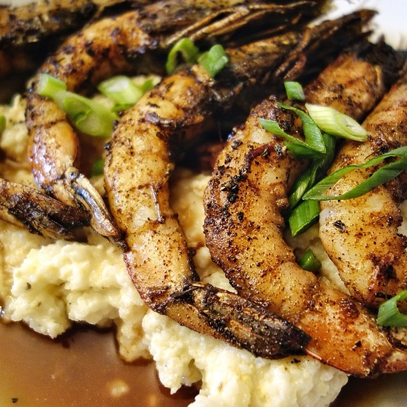 Blackened Shrimp And Grits @ Dante's Kitchen