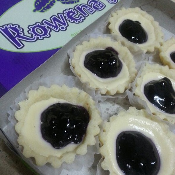 Blueberry Cheese Tart @ Rowena's Tarts
