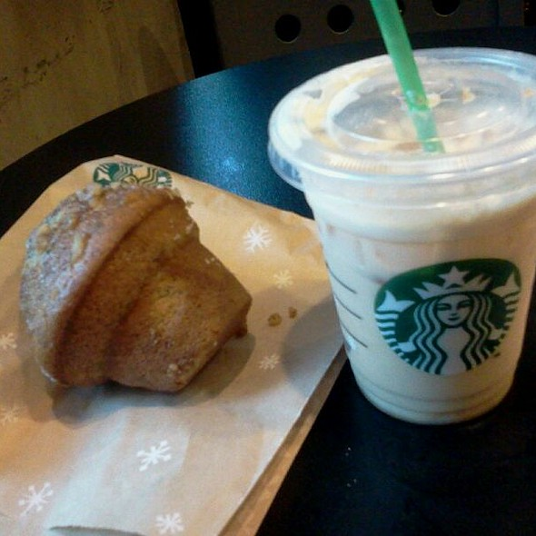 Banana And Walnuts Muffin + Toffee Nut Cold Latte @ Starbucks Coffee