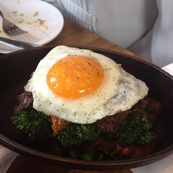 Steak and Eggs @ Manhattan Beach Post