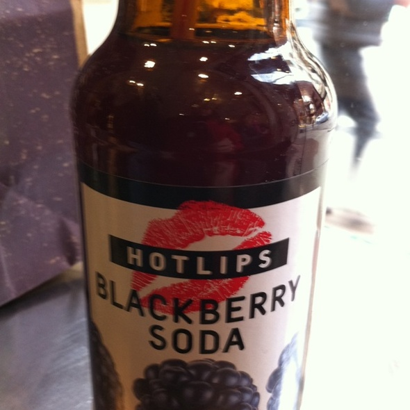 Hot Lips Blackberry Soda @ Dean & DeLuca Soho Store