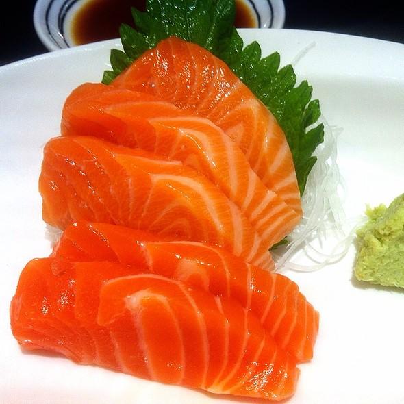 Salmon Sashimi @ Fuji Restaurant@Supreme Complex