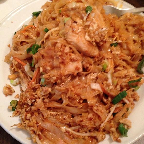 Vics Thai Food