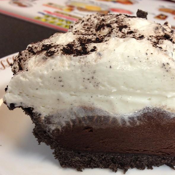 Chocolate Cake @ Waffle House