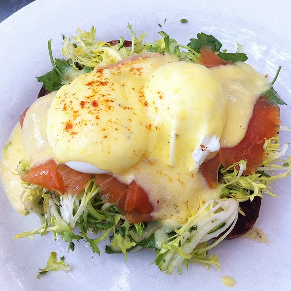 Eggs Benedict @ Tavern Restaurant