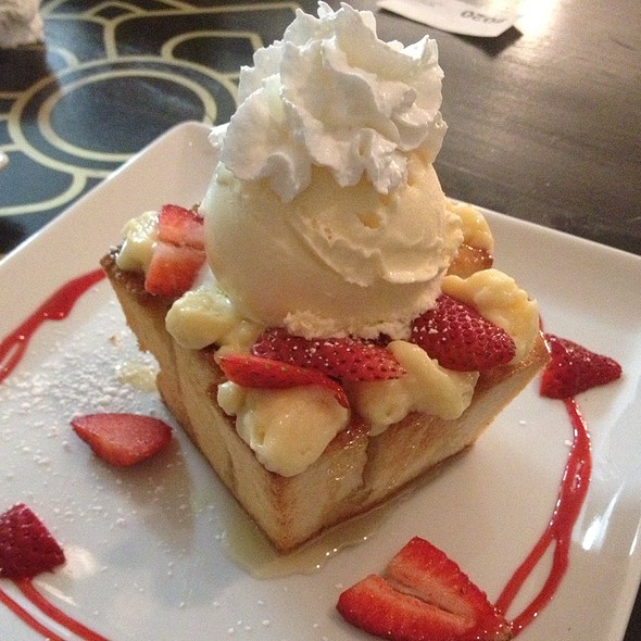 Honey Toast With Custard Strawberries And Vanilla Ice Cream @ Up2youCafe