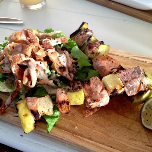 Brochetas De Salmon @ Rey Raya restaurante