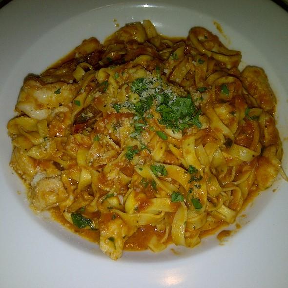 Seafood Fettuccini @ Pete Miller's Seafood & Prime Steak
