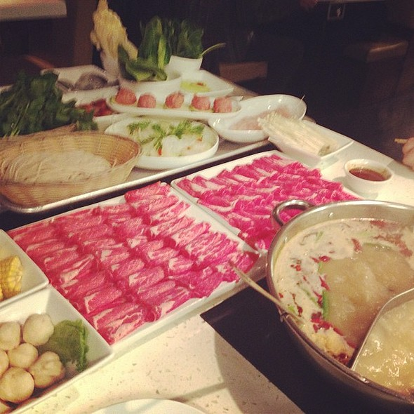 first time trying mongolian style hotpot! @ Little Sheep Mongolian Hot Pot 小肥羊