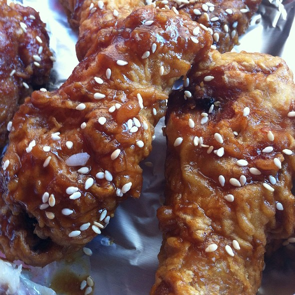 Crispy Wings @ Chick-A-Licious