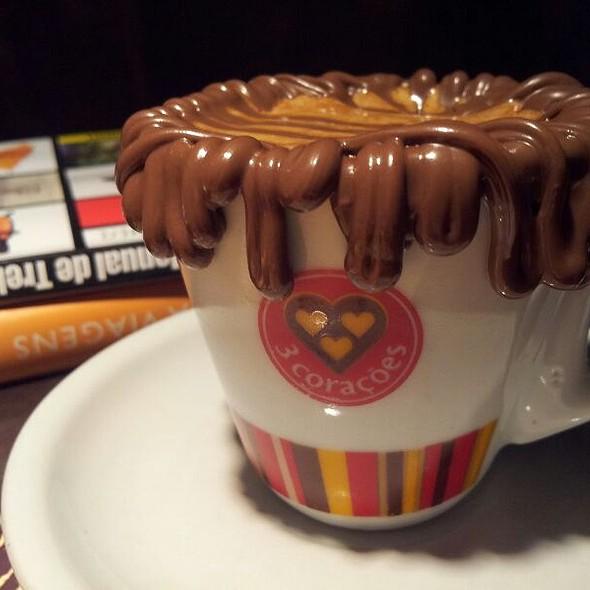 Café Com Creme De Avelã @ Cafe 3 Coracoes