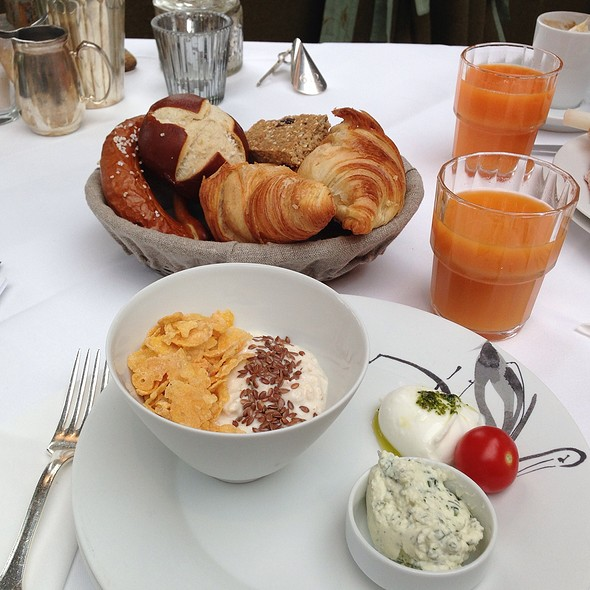 Breakfast With Bircher Muesli And Choice Of Bread