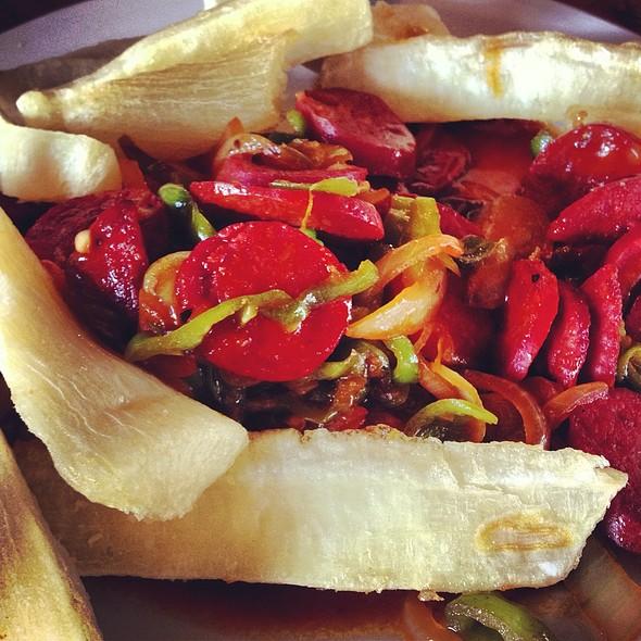 Yuca Y Chorizos @ La Boca